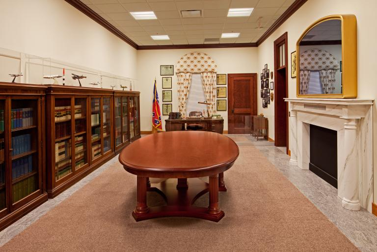 Russell Library Gallery