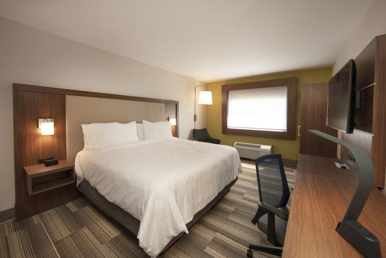 Holiday Inn Express Guest Rooms