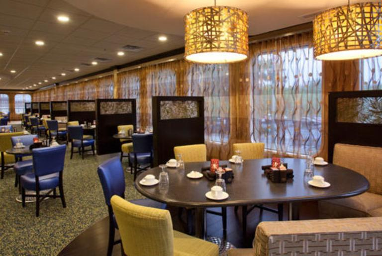 Holiday Inn Athens Redfearn Grille
