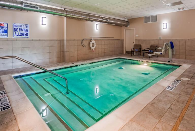 Indoor Hydrotherapy Spa