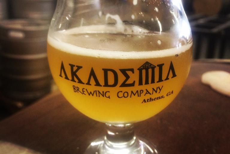 Akademia brewing glass