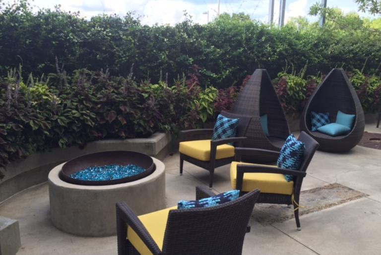 Hotel Indigo Athens- Courtyard
