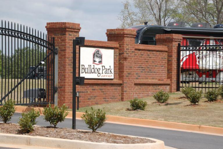 bulldog-park-logo