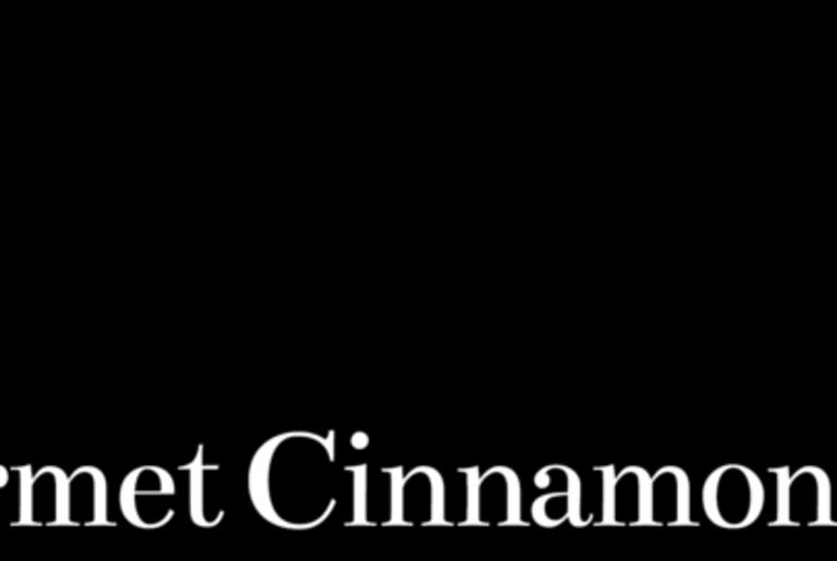 Cinnaholic Logo