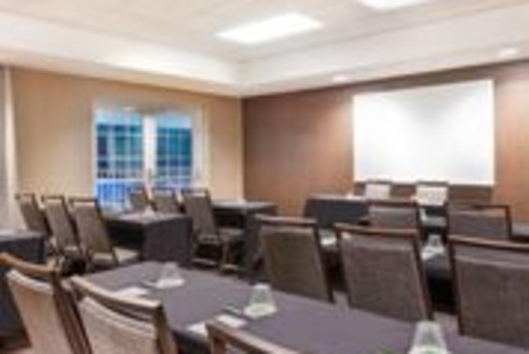 Courtyard by Marriott Holbrook Room