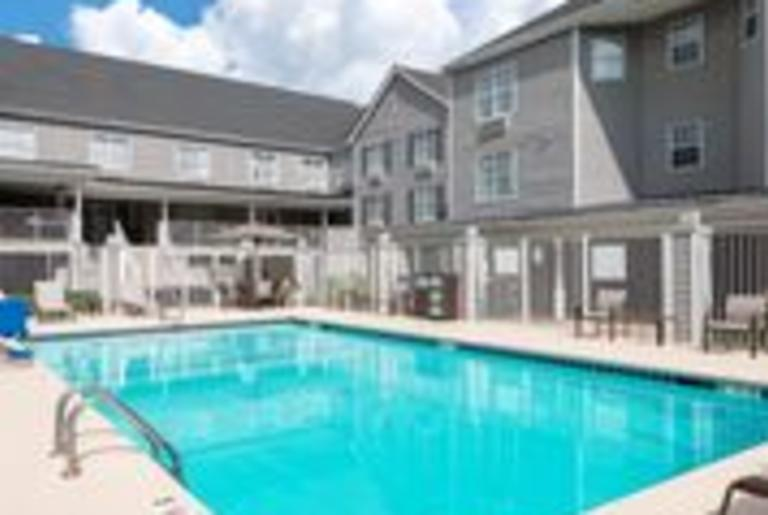 Courtyard by Marriott Outdoor Pool