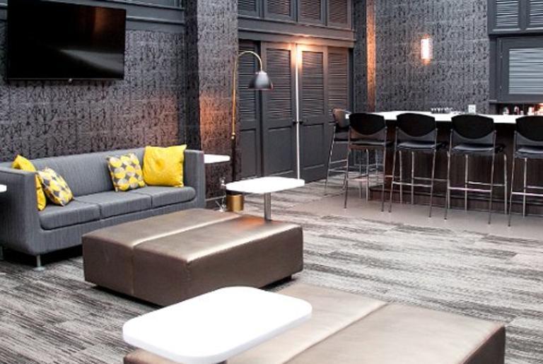 Savannah Room Bar
