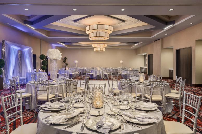 INDNB_Meeting_Room_Creekside_Wedding Embassy Suites Noblesville