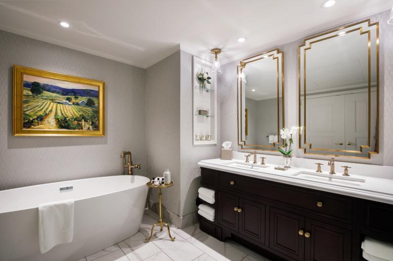 Carmichael Suite_Bathroom_PRES_INDAK