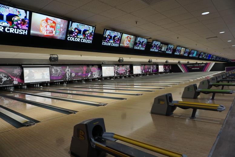 Three-Two-Fun Bowling