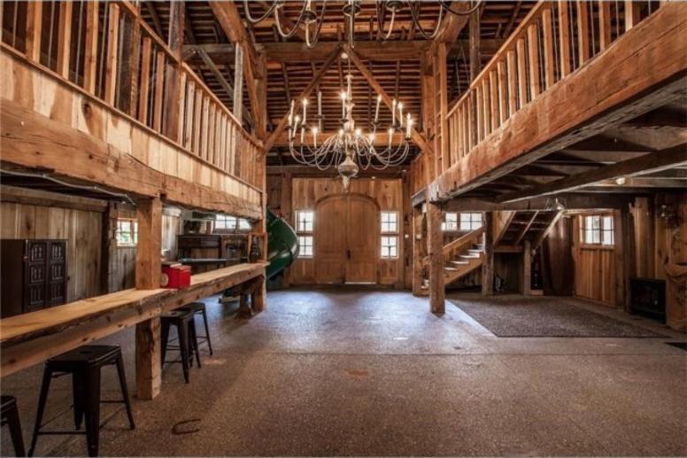Big Hoffa's Barn
