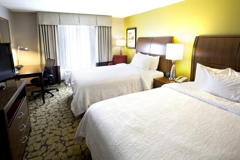 Hilton Garden Inn Carmel Guestroom