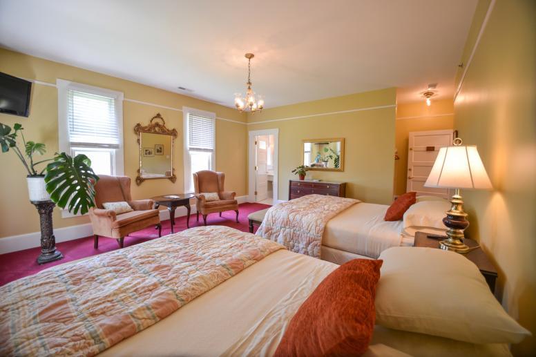 Hamilton Suite 2 Queen Beds