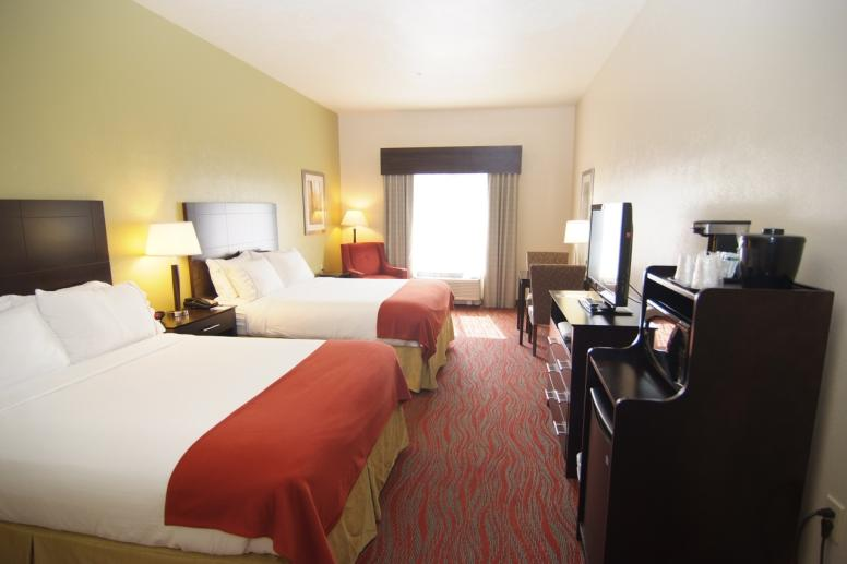 Holiday Inn Express & Suites Indianapolis North Carm