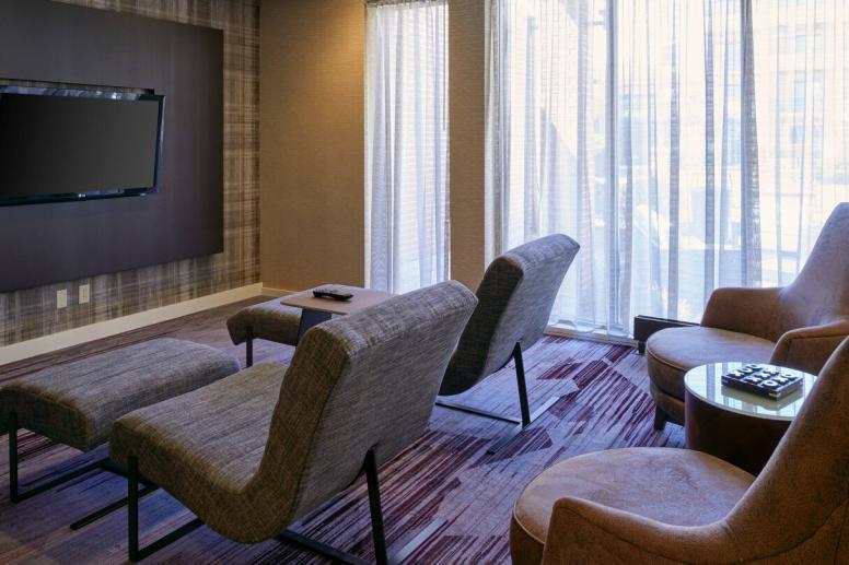Lobby Lounge Aera