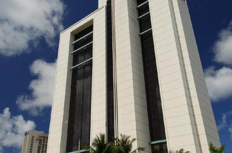 PIC Guam Exterior 01