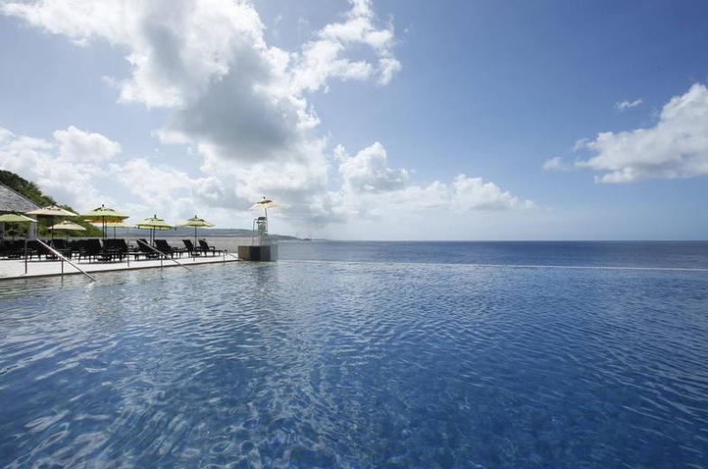 The Surfer's Point Infinity Pool