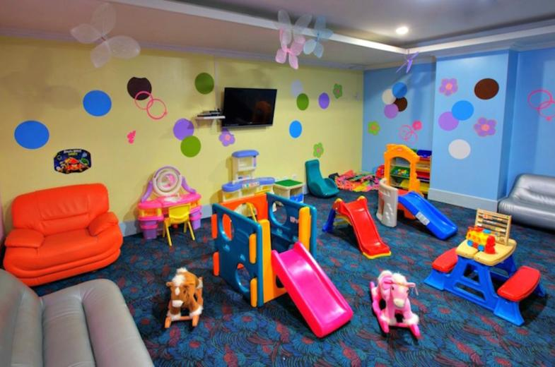 Royal Orchid - Kids Room