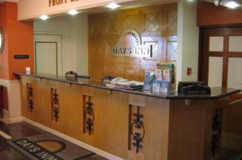 Days Inn Check-in Desk