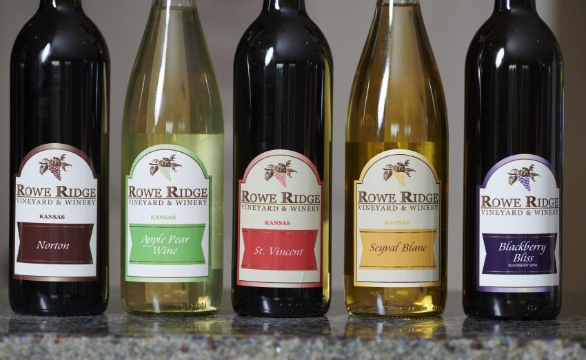 Rowe Ridge Winery & Vineyard bottles