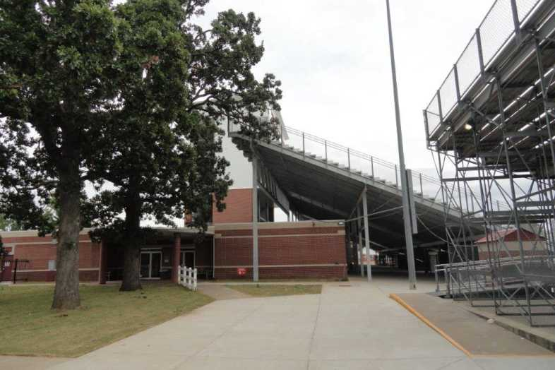 Jarrell Williams Bulldog Stadium - Springdale High School - 9
