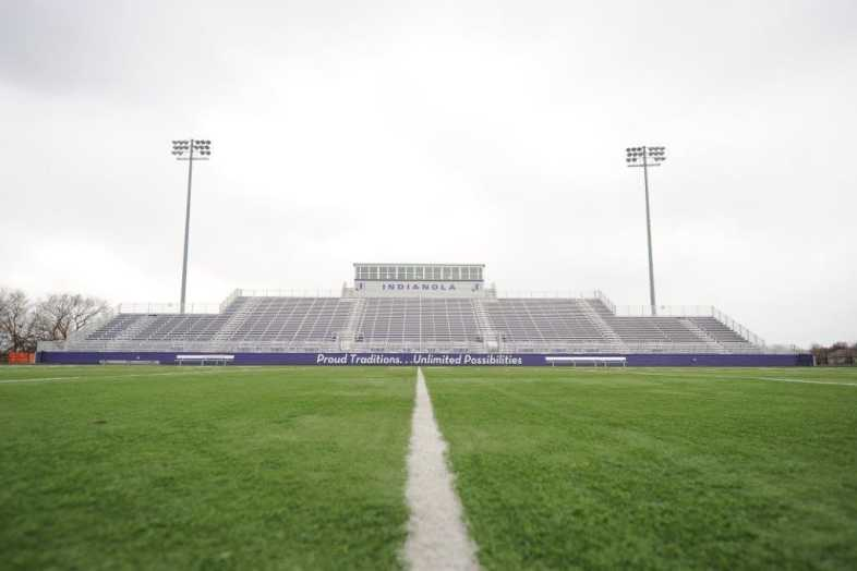 INDIANOLA COMMUNITY SCHOOL DISTRICT - Football Bleachers - 1