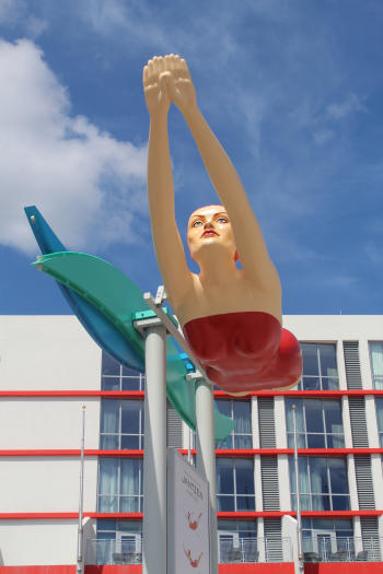 The Jantzen Diving Girl