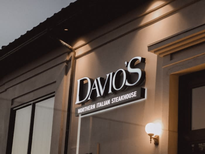 Davios Northern Italian Steakhouse Sign
