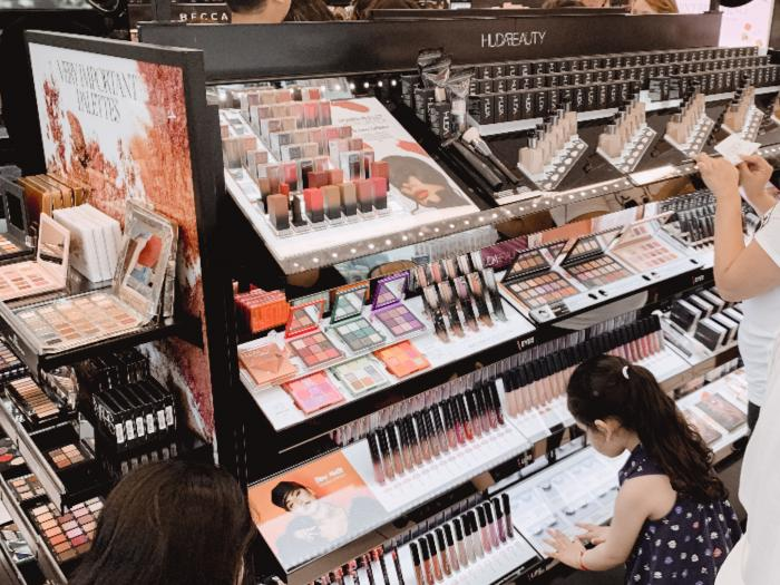 Sephora Irvine Spectrum Shelves Customer