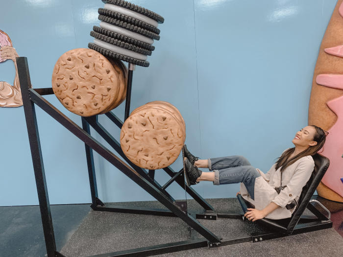 Cheat Day Land Cookie Squat Press