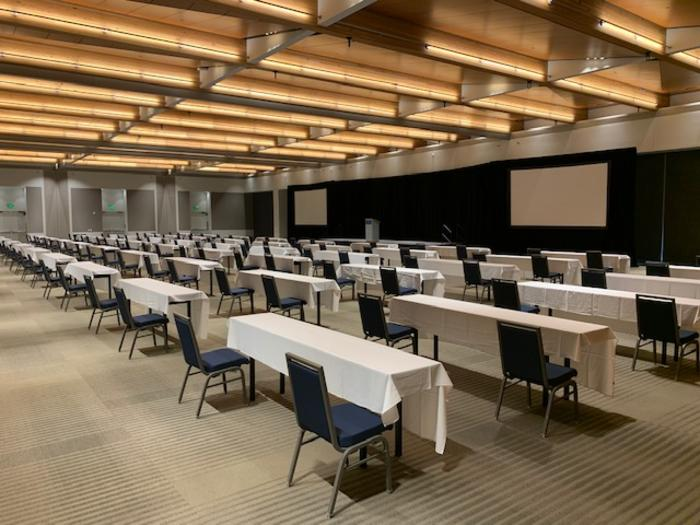 An example of meeting room layouts that adhere to social distancing guidelines.