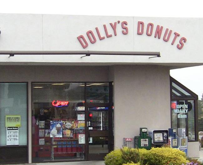 15384_Dollys_Donuts_FoodandDrink_LR_pic1.jpg