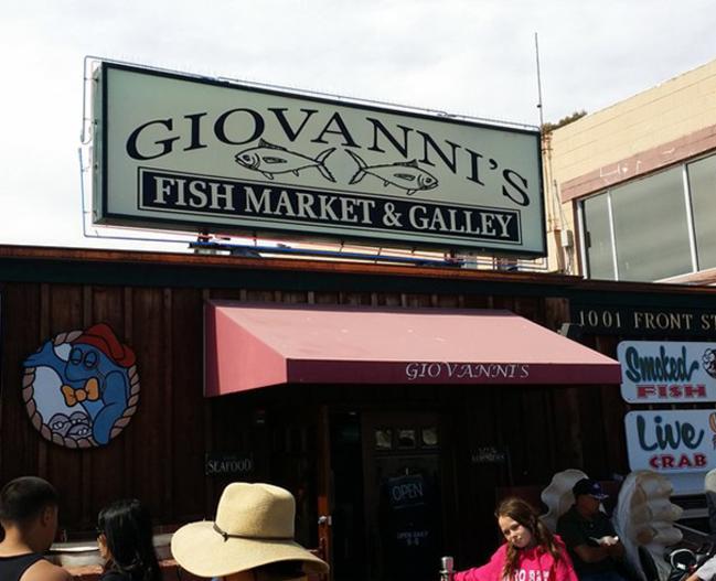15392_Giovannis_Fish_Market_FoodandDrink_LR_pic1.jpg