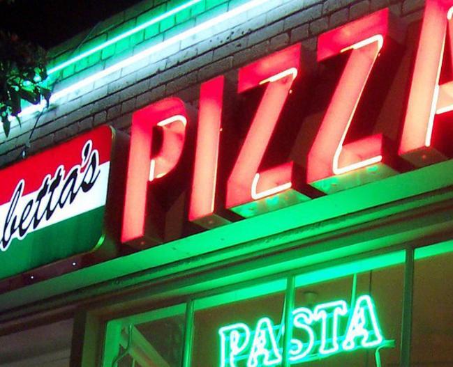 15423_Sabettas_Pizza_FoodandDrink_LR_pic1.jpg