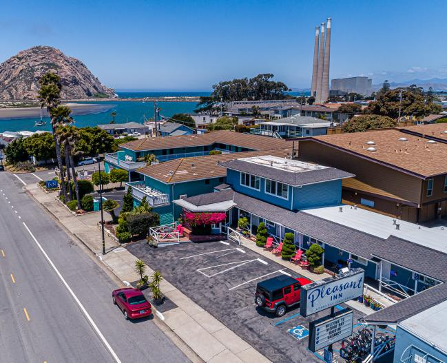 Pleasant Inn Motel and Morro Rock
