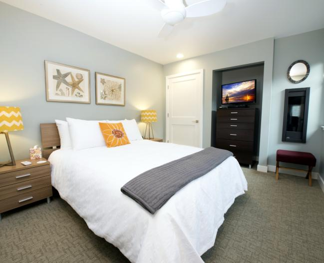 Harbor Front Suites Bedroom