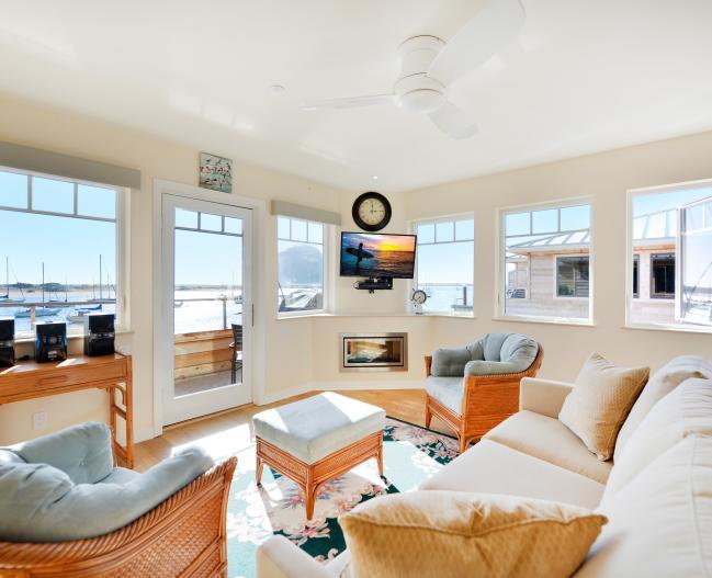 La Roche Living Room