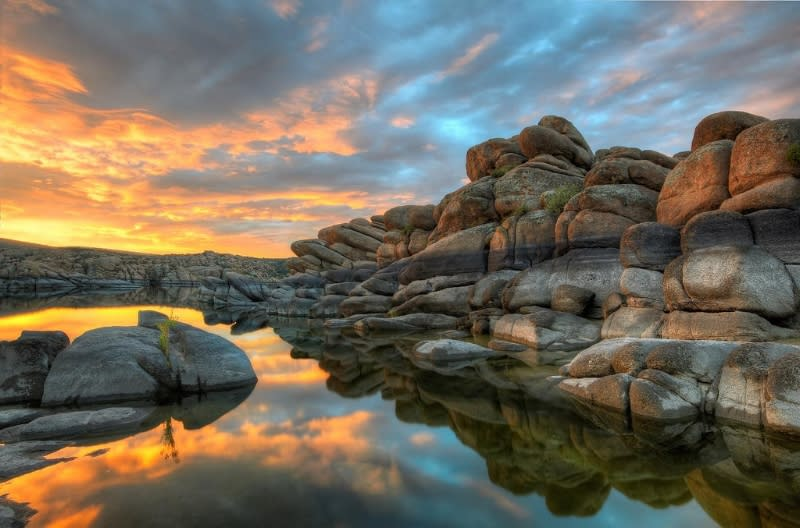 Watson Lake in Prescott is a premier spot for desert and nature lovers visiting Phoenix.