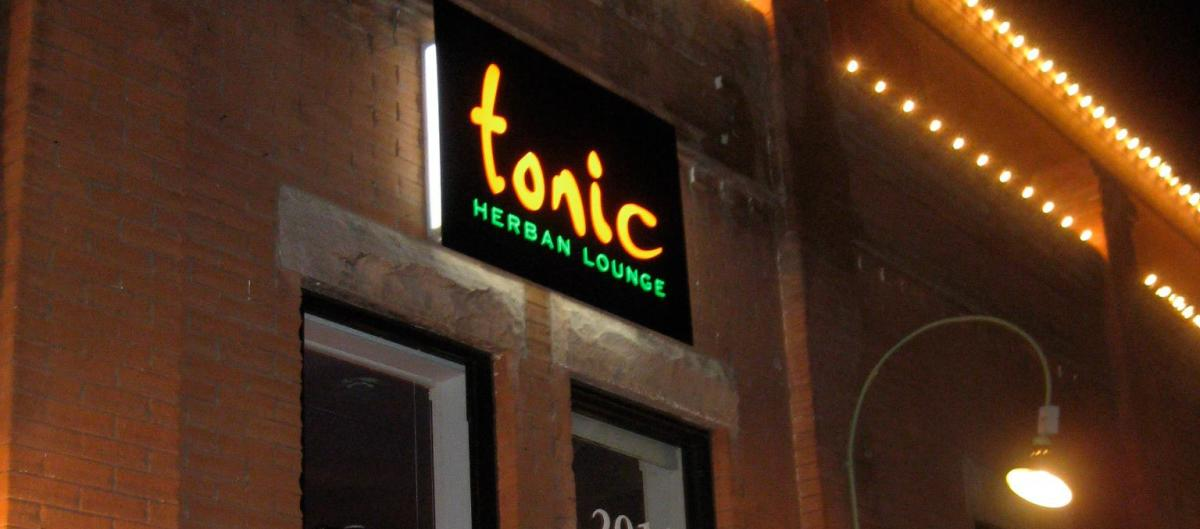 Sign for the Tonic Herban Lounge Oxygen Bar