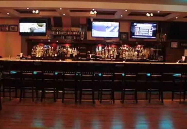 Castle Sports Bar & Rest