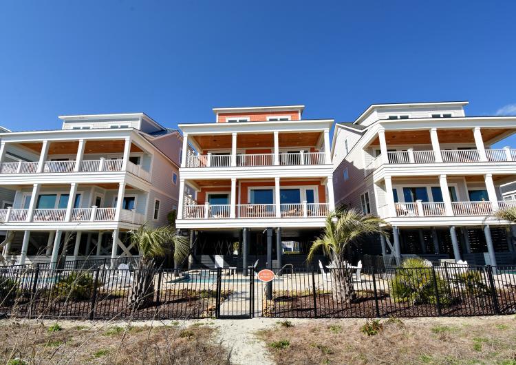 Elliot Beach Rentals 1