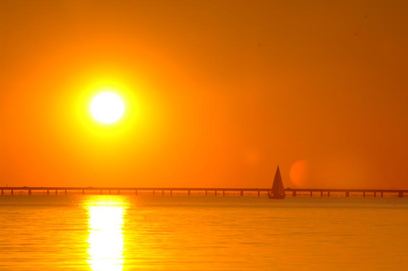 Sunset over Lake Pontchartrain, seen from the Mandeville seawall.