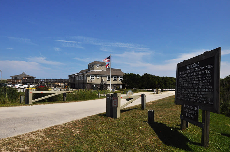 Fort Fisher State recreation area entrance