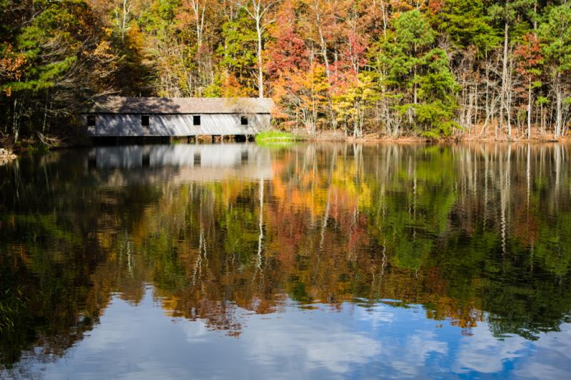 covered-bridge-fall-leaves-Green-Mountain-Madison-County-Nature-Trail-pond-1024x681