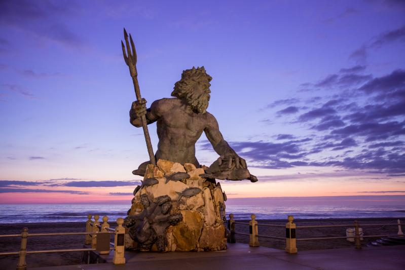 King Neptune Sunrise - Oceanfront