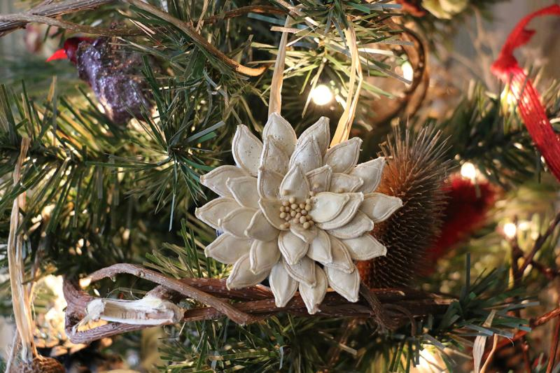 2015-granger-homestead-festival-of-trees-white-poinsetta-ornament