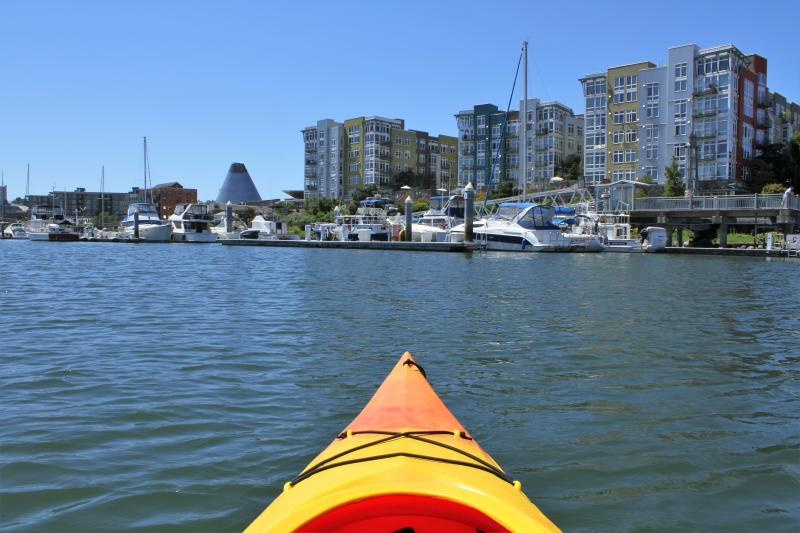 Foss waterway kayak (Photo: Alex Balansay)