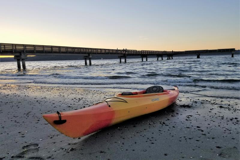 Kayak on Dash Point beach (Photo: Alex Balansay)