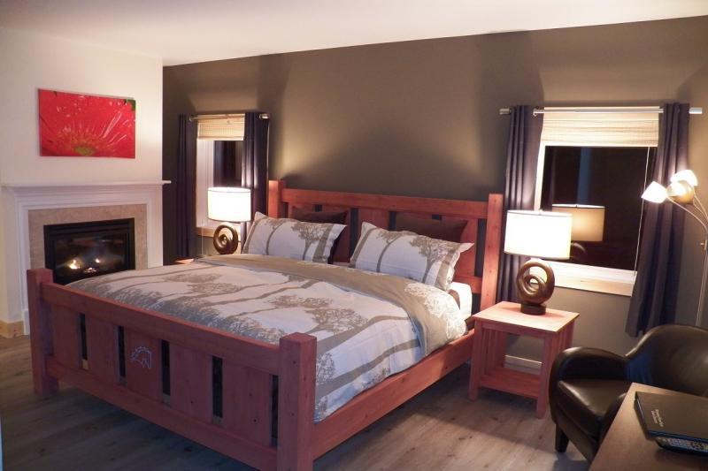 mountain-horse-farm-naples-interior-guest-room