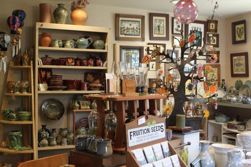 artizanns-naples-interior-ceramics-seeds-mugs-glasses